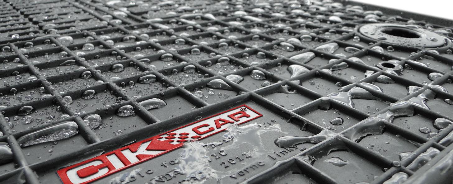 Dywaniki gumowe CikCar dostępne w kolorze czarnym